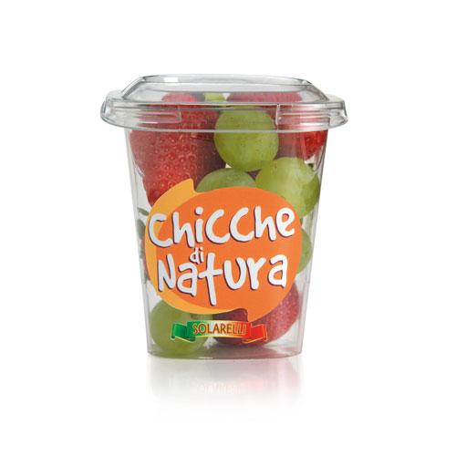 bicchiere fragole e uva bianca chicche di natura
